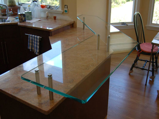 Residential project glass kitchen countertops by glassworks for Glass kitchen countertops